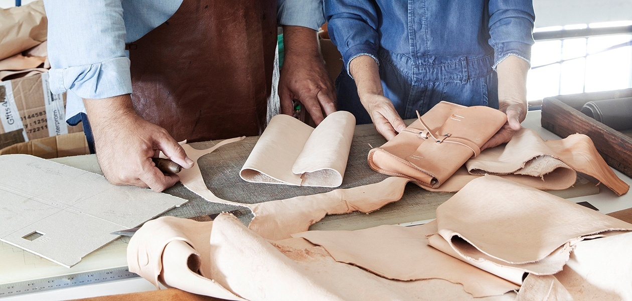 Workshop of the Initiation to leather work with Sul Bags